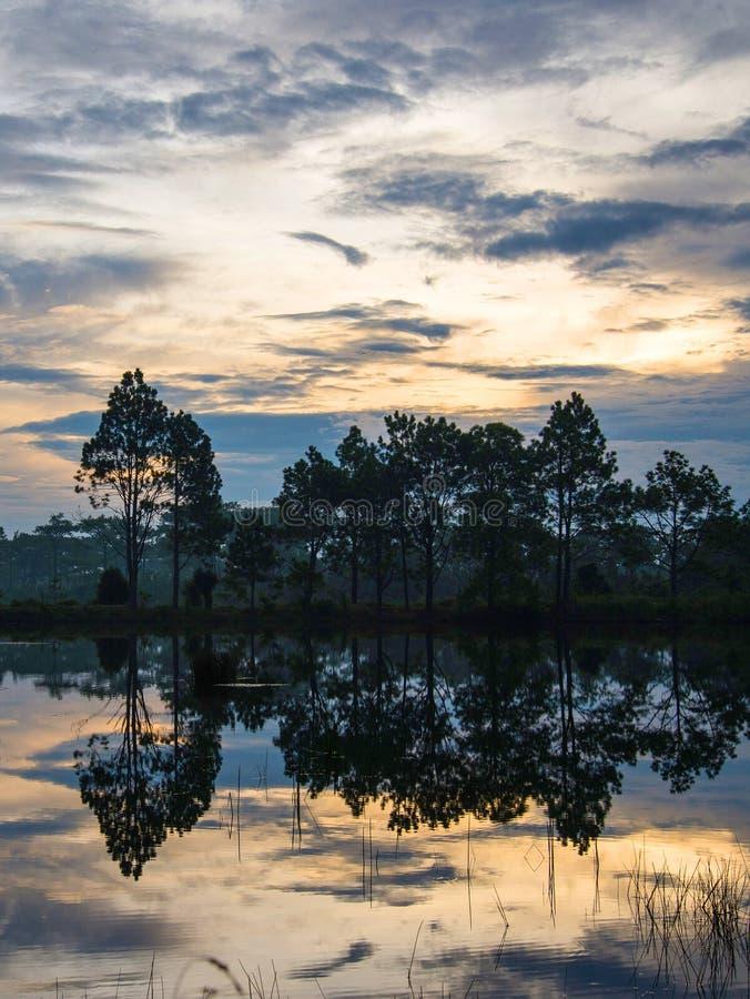 Laguna de la puesta del sol imágenes de archivo libres de regalías