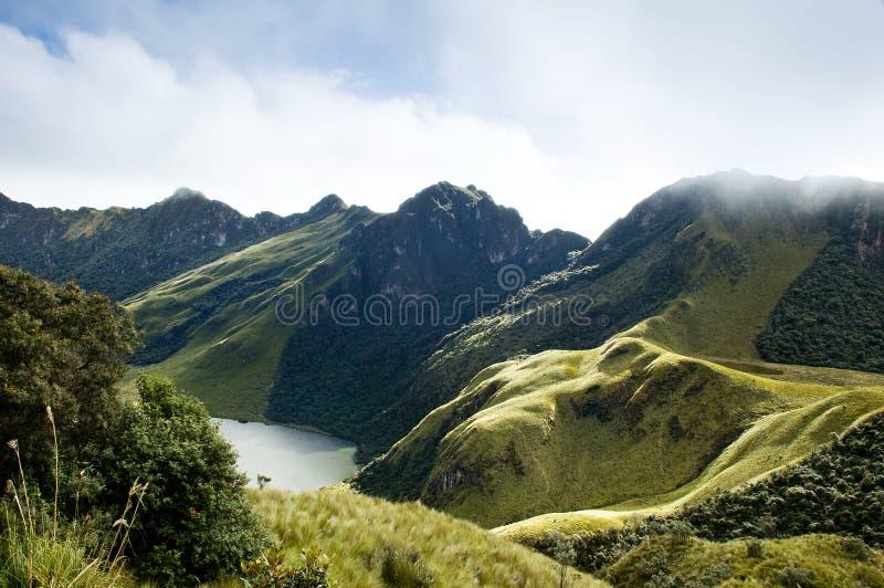 Laguna de Mojanda en Ecuador imagen de archivo