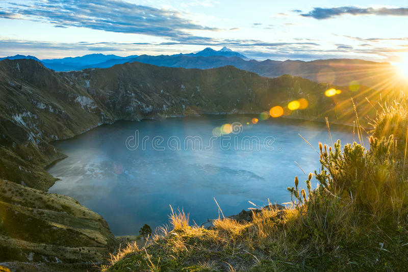 Laguna del vulcano di Quilotoa l'ecuador fotografia stock