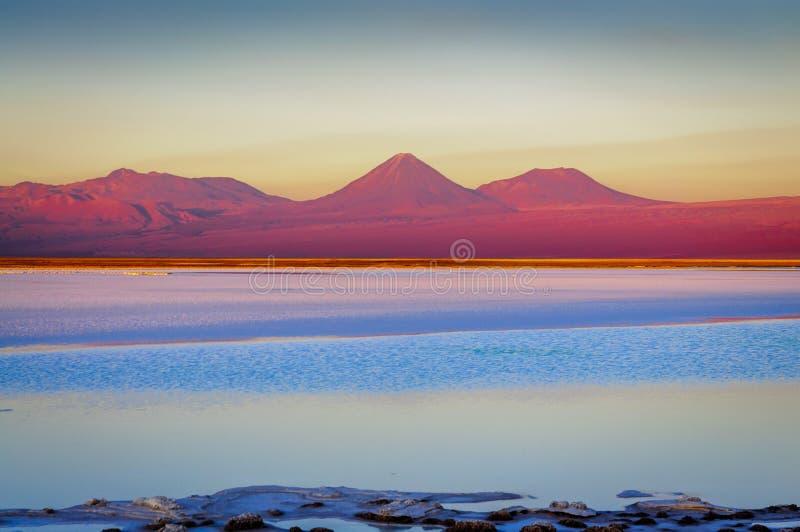 Laguna di Tebenquinche in San Pedro de Atacama, Cile fotografia stock libera da diritti
