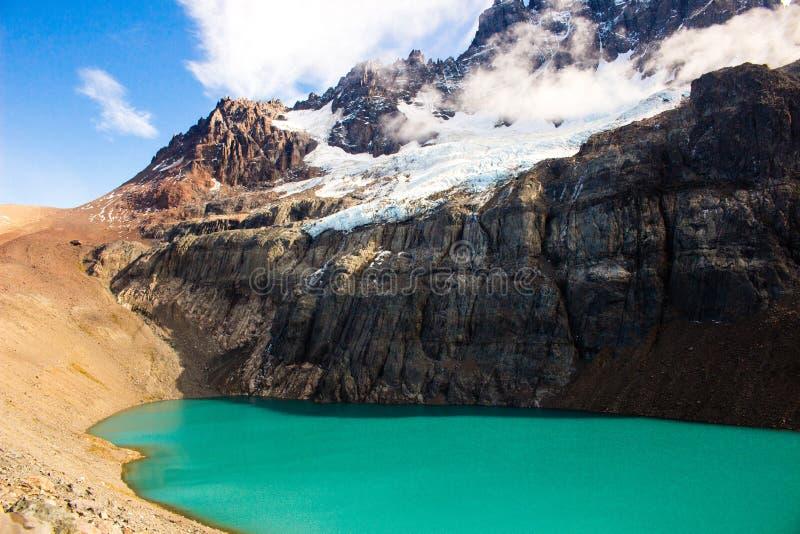 Laguna en el camino austral de Cerro Castillo imagen de archivo libre de regalías