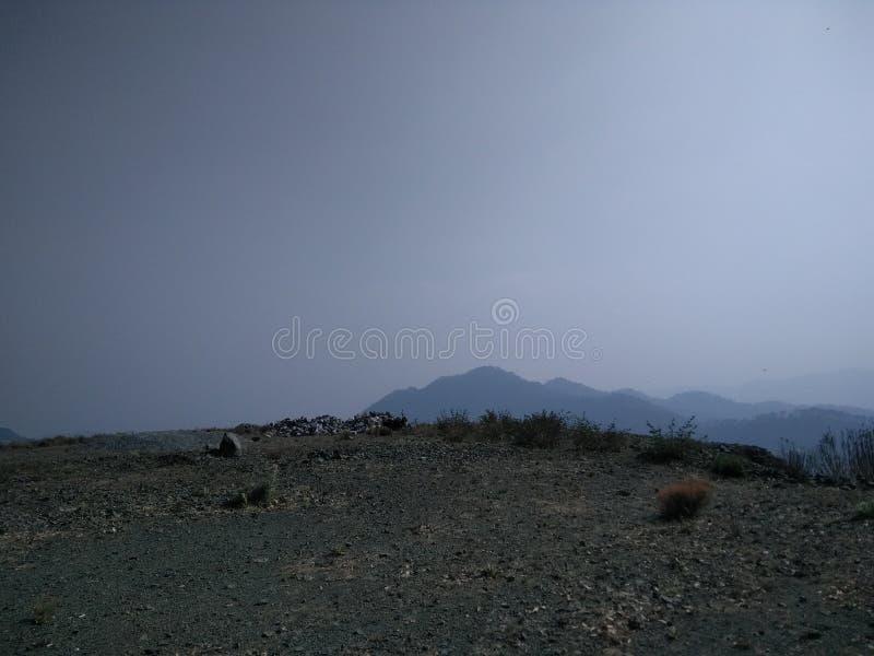 Laguna superior del azul de cielo de la montaña fotos de archivo