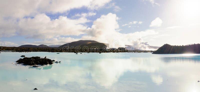 Lagune bleue - station thermale islandaise célèbre et usine géothermique, Islande images stock