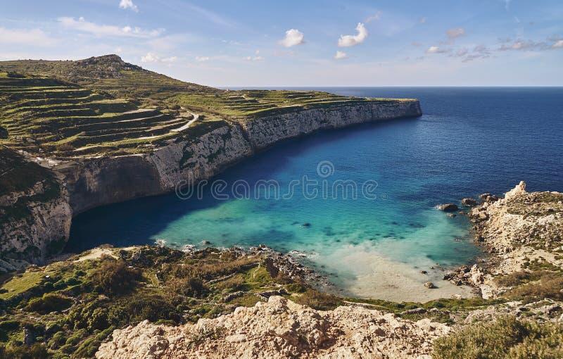 Lagune bleue très belle près de la mer images stock