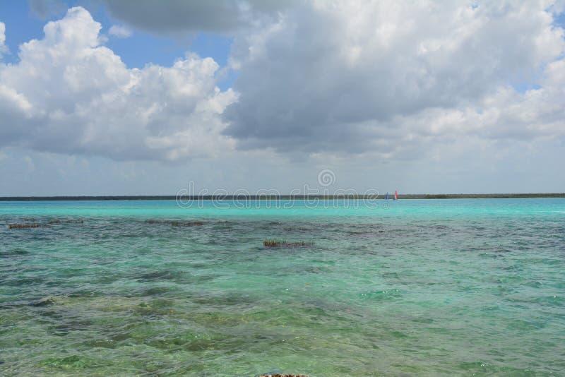 Lagune de Bacalar dans Quintana Roo Mexique photo libre de droits