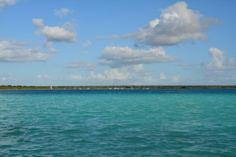 Lagune de Bacalar dans Quintana Roo Mexique images libres de droits