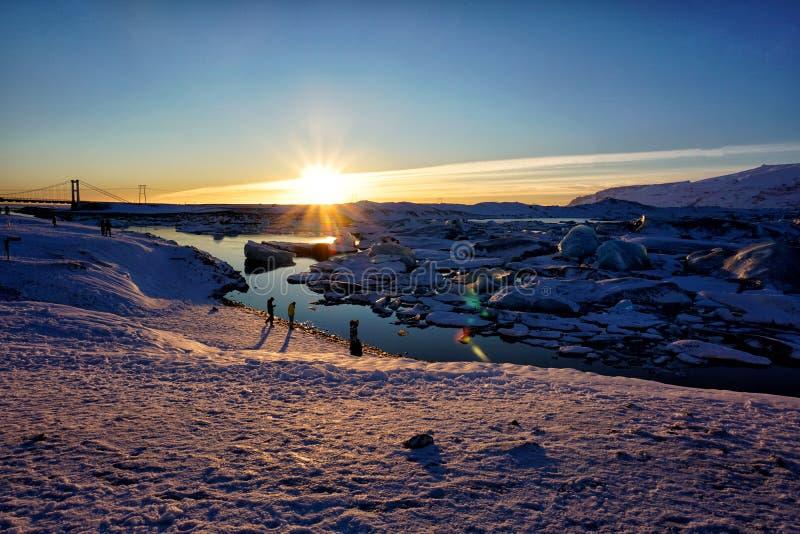 Lagune de glacier de Jokulsarlon en hiver de l'Islande images stock