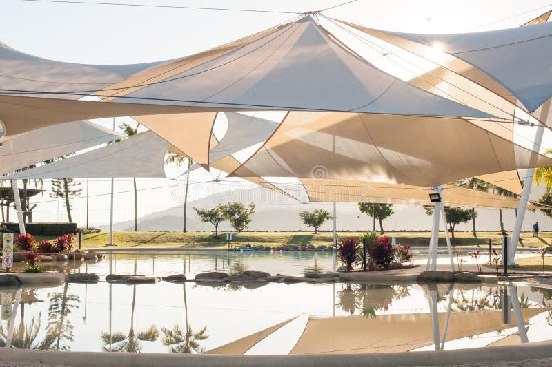 Lagune de plage d'Airlie photographie stock