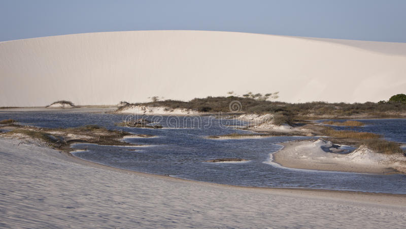 Lagune in een woestijn royalty-vrije stock afbeelding