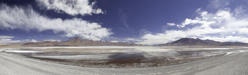 Lagune of meer in het panorama van de Andes Bolivië stock fotografie