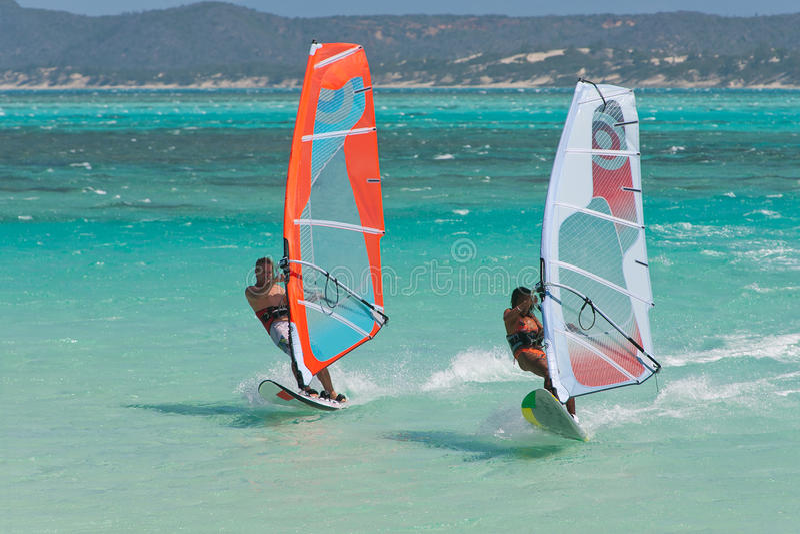lagunen vindsurfar arkivbilder
