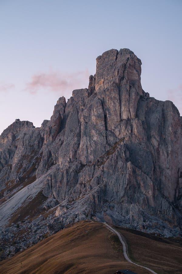 LaGusela berg, Passo Giau, Dolomites fotografering för bildbyråer