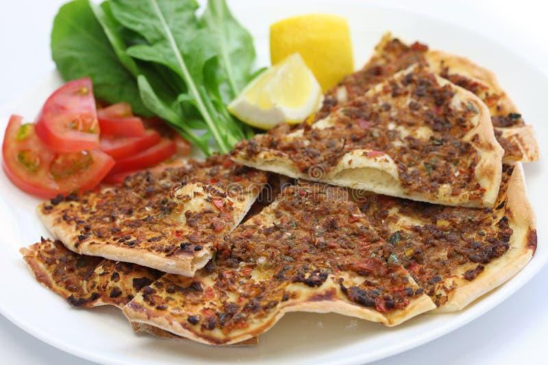 Lahmacun, Turkse gehaktpizza royalty-vrije stock foto
