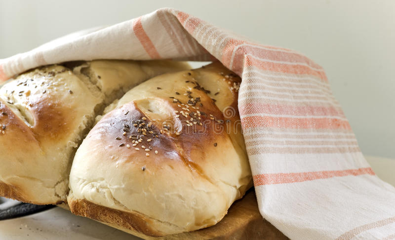 Laibe des Brotes lizenzfreie stockfotografie
