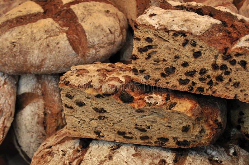 Laibe des rustikalen Brotes lizenzfreies stockbild