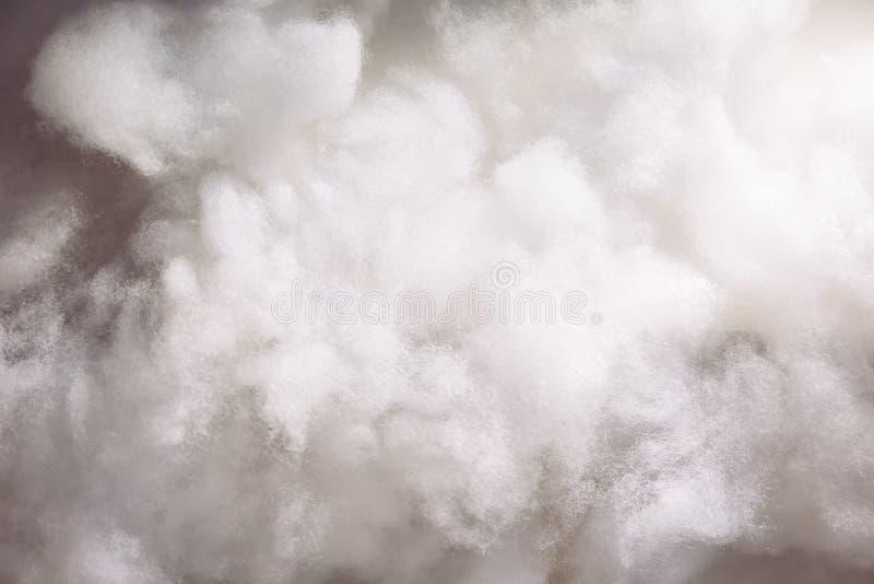 Laines de coton le faisant comme les nuages pour le fond wallpaper photos libres de droits