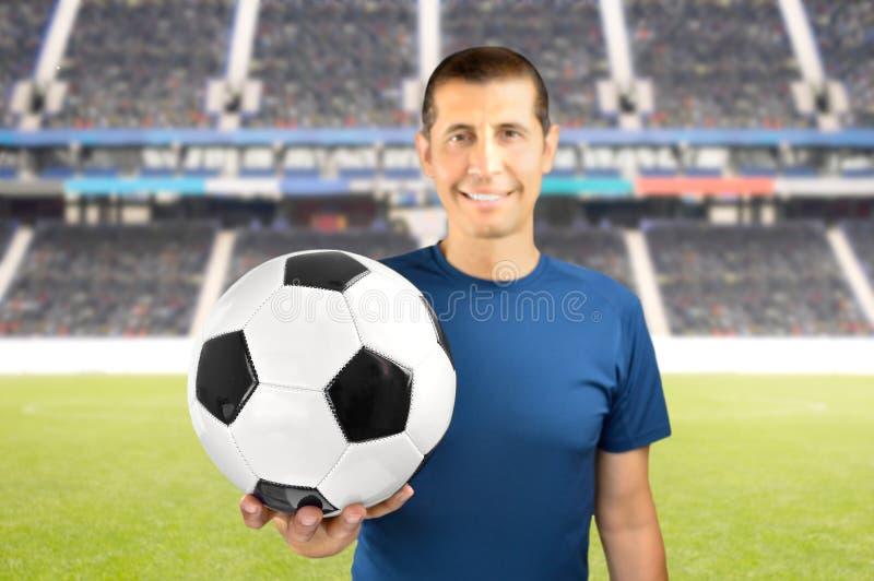 Laissez s jouer au football photos libres de droits
