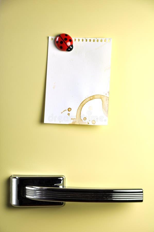 Laissez un message sur le réfrigérateur photo libre de droits
