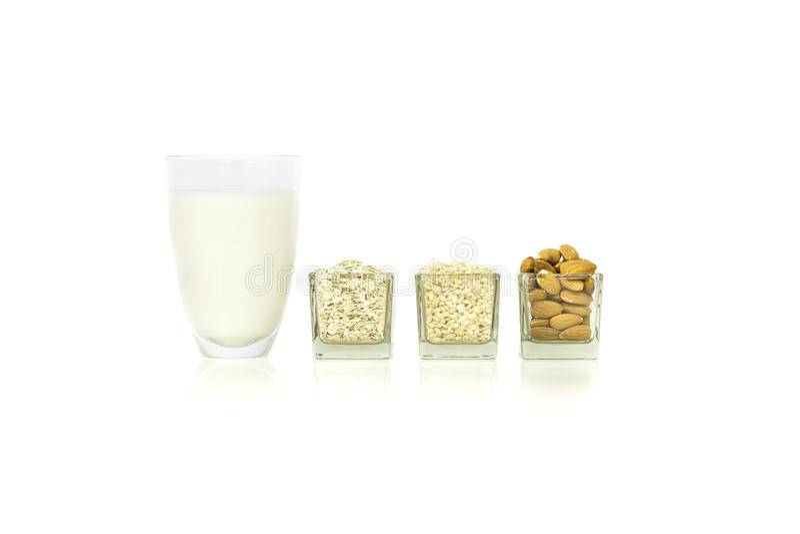 Lait de riz, de farine d'avoine et d'amande images stock