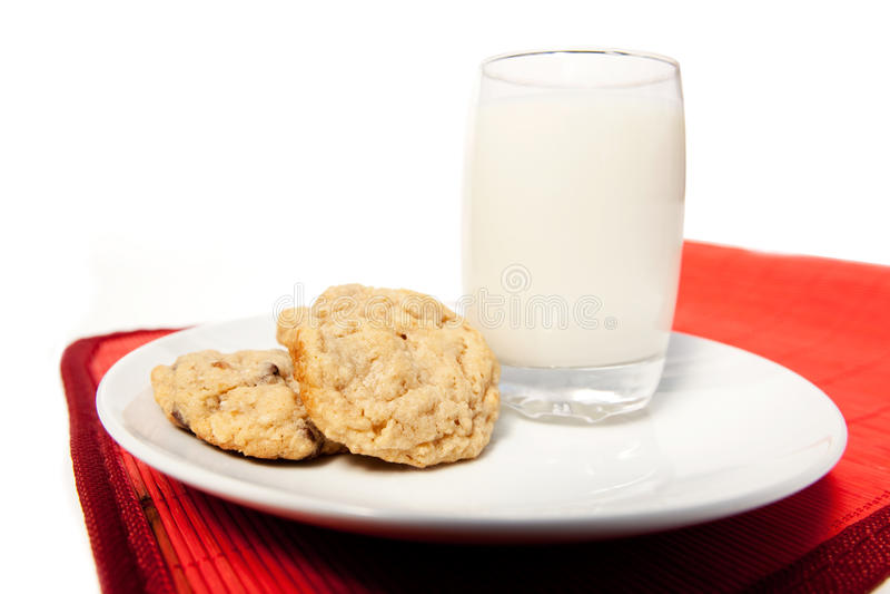 Lait et biscuits photo stock