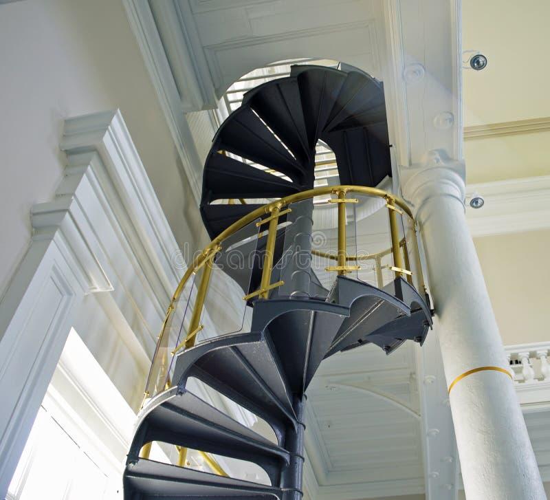 Laiton, acier et escalier en spirale en verre image libre de droits