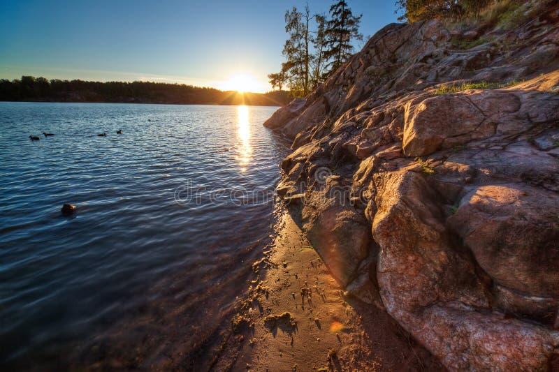 Download Lake över solnedgång arkivfoto. Bild av plats, sceniskt - 19798538
