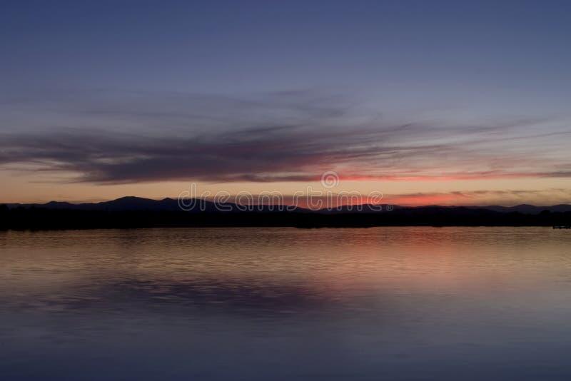 lake över solnedgång arkivfoton