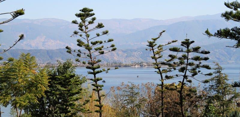 Download Lake Royalty Free Stock Images - Image: 27198339