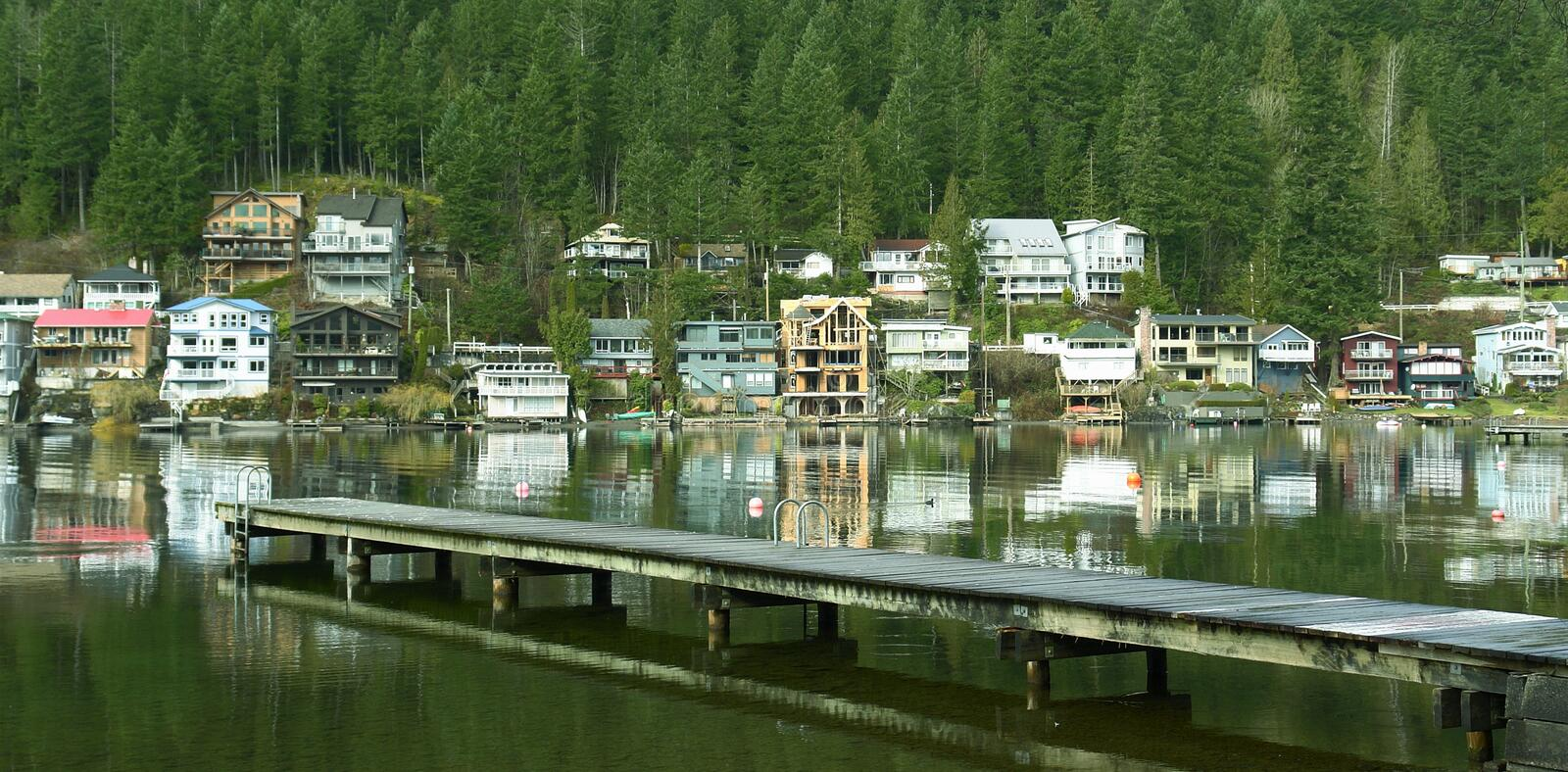 Download Lake Cottages Homes Houses BC Stock Photo - Image of lakeside, dock: 4455802