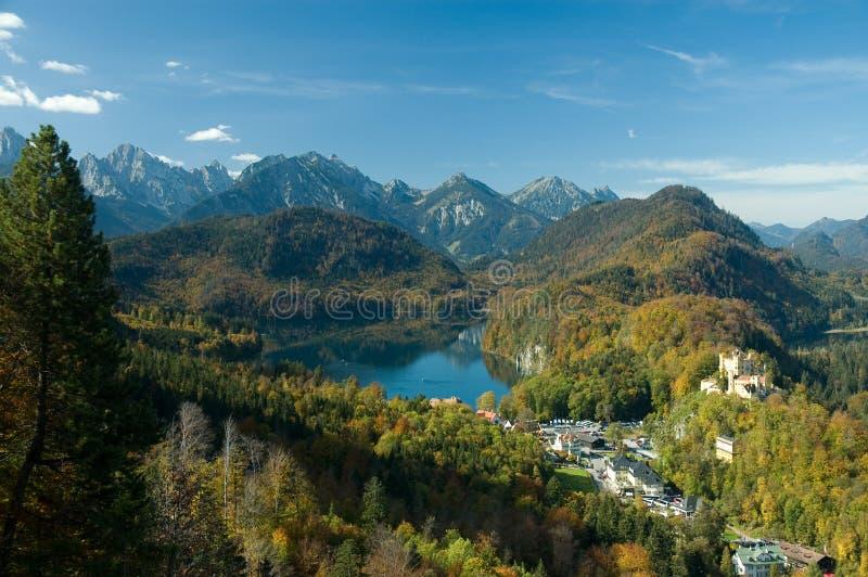 lake grodowa małej wioski zdjęcie royalty free