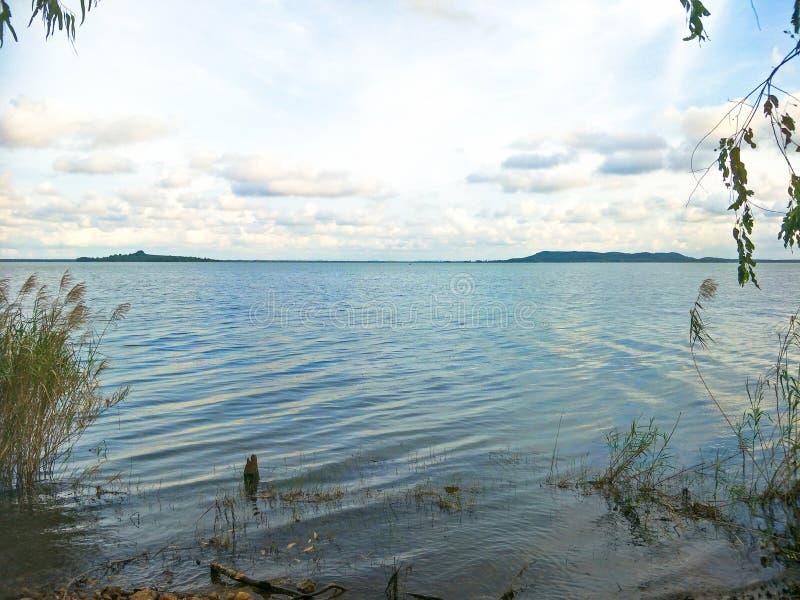 Lake i aftonen royaltyfri fotografi