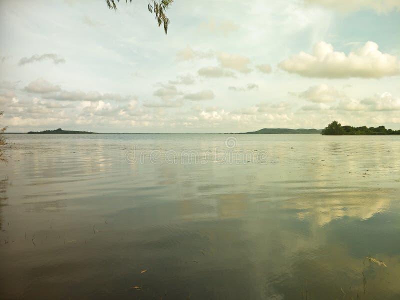 Lake i aftonen fotografering för bildbyråer