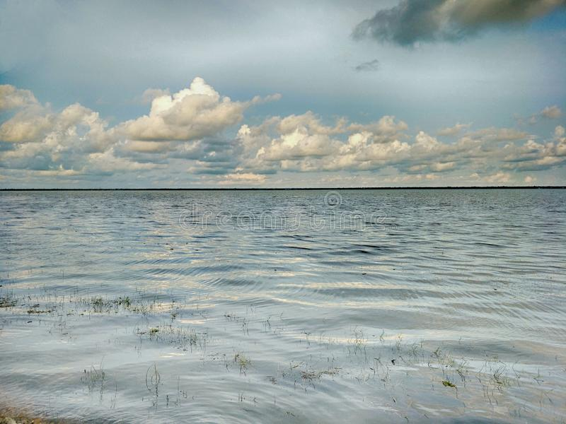 Lake i aftonen arkivbild