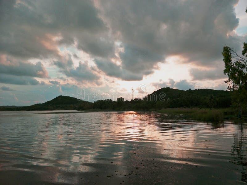 Lake i aftonen royaltyfri bild