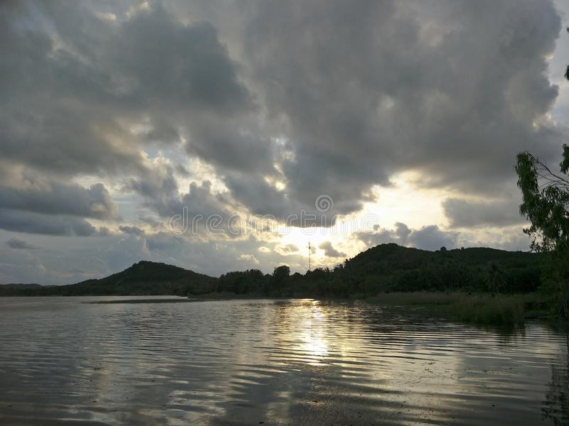 Lake i aftonen royaltyfria foton