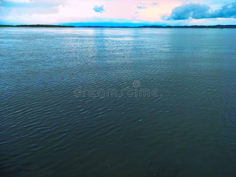 Lake i aftonen arkivbilder