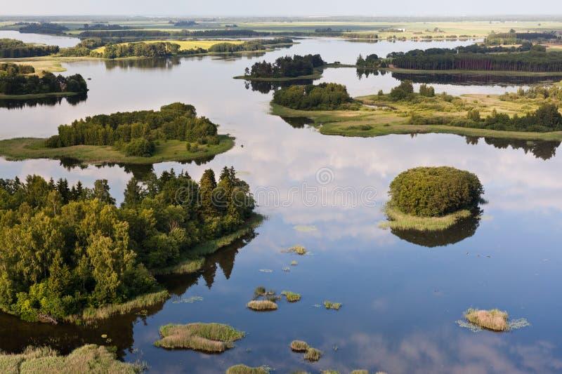 Lake i Litauen royaltyfria foton
