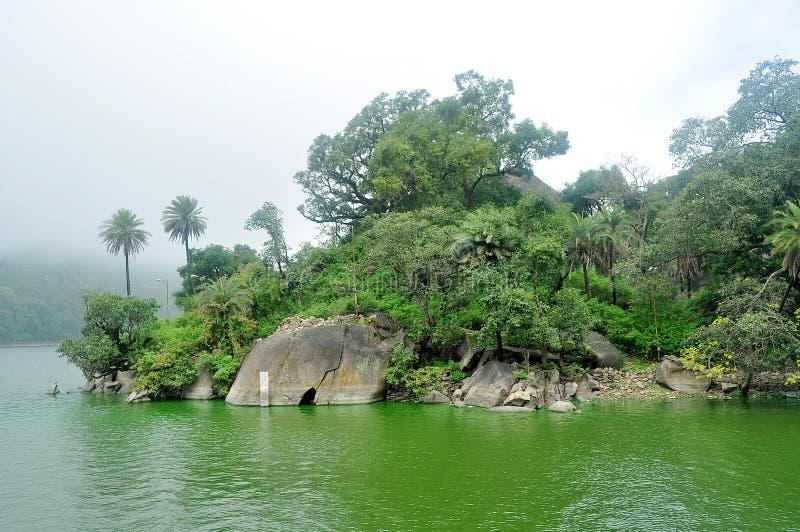 Lake i monsoon royaltyfria foton