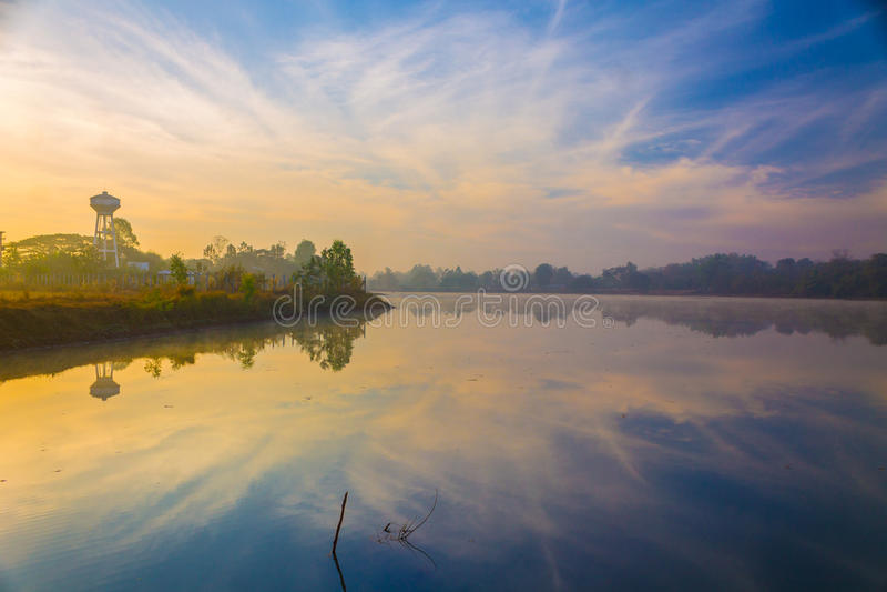 Lake i morgonen royaltyfri foto