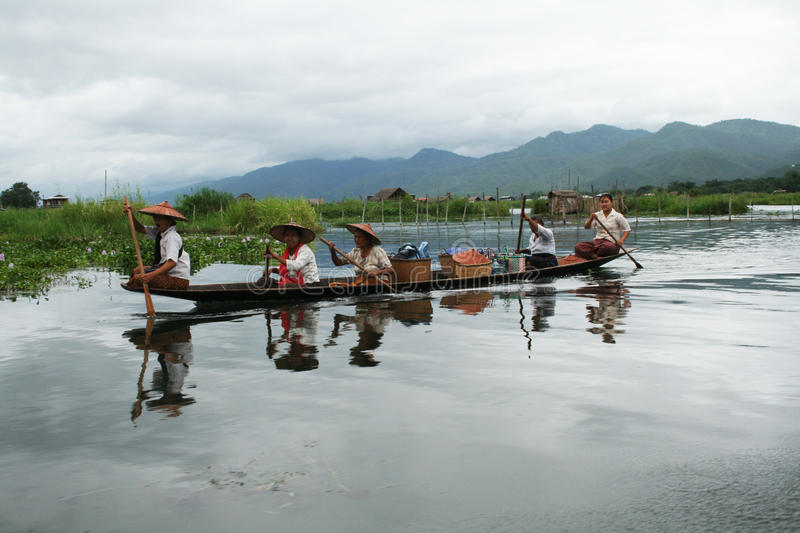 Download Lake inle editorial image. Image of paddle, asia, landscape - 15561870