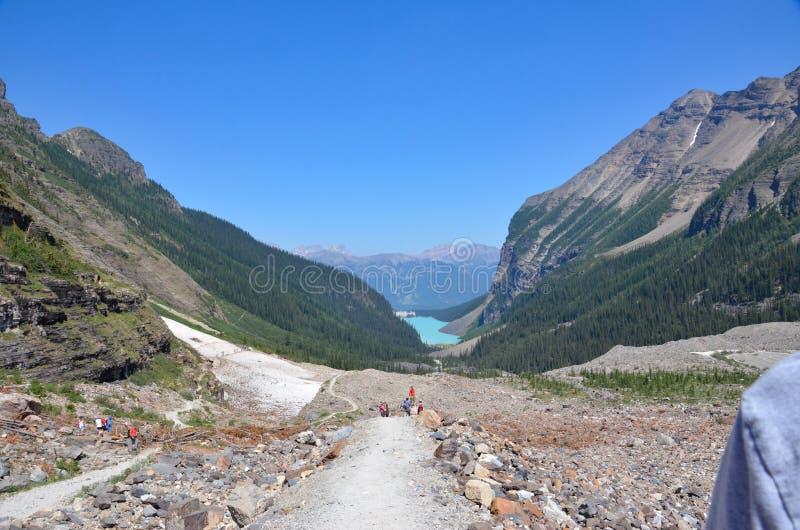 Lake Louise - πεδιάδα του ίχνους έξι παγετώνων στοκ εικόνες με δικαίωμα ελεύθερης χρήσης