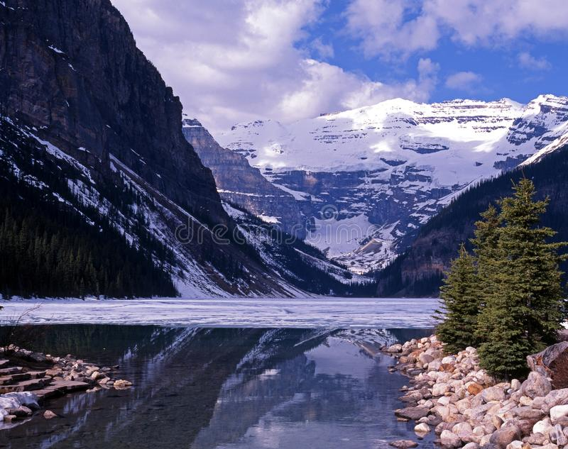 Lake Louise, Alberta, Canadá. imagem de stock royalty free