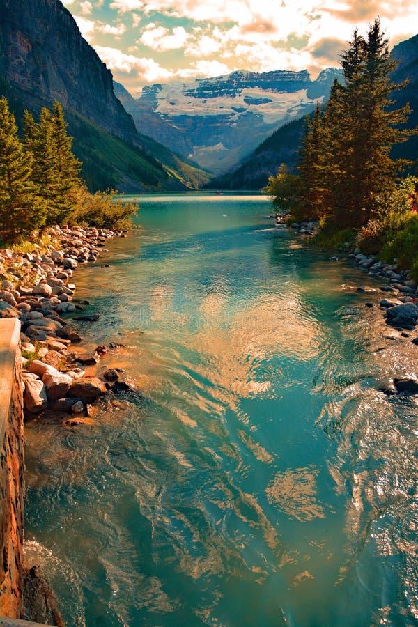Lake Louise im Nationalpark Banff Alberta Canada lizenzfreies stockbild