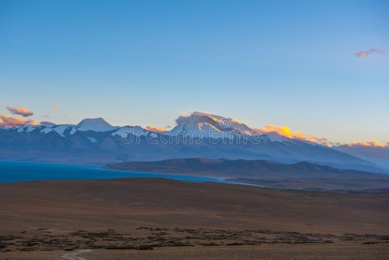 Lake Manasarovar: Travelling in Tibet royalty free stock photo