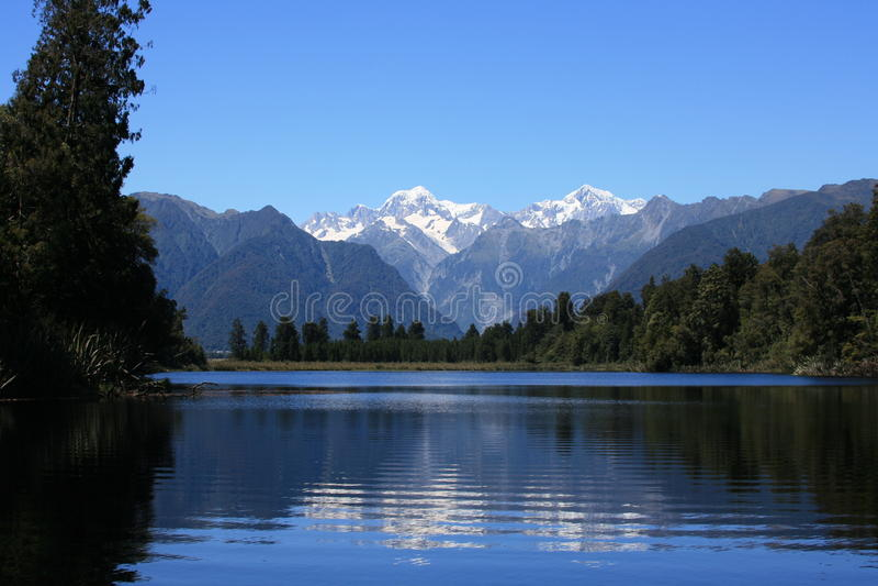 Download Lake Matheson / Mount Cook stock photo. Image of cloud - 14847618