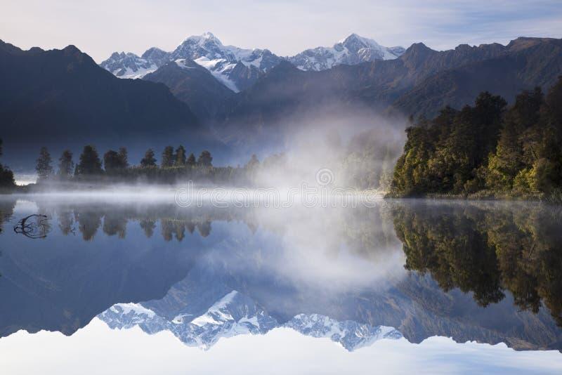 Lake Matheson, New Zealand royaltyfria bilder