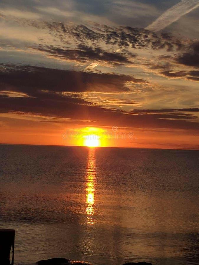 Lake Michigan soluppsättning arkivbild