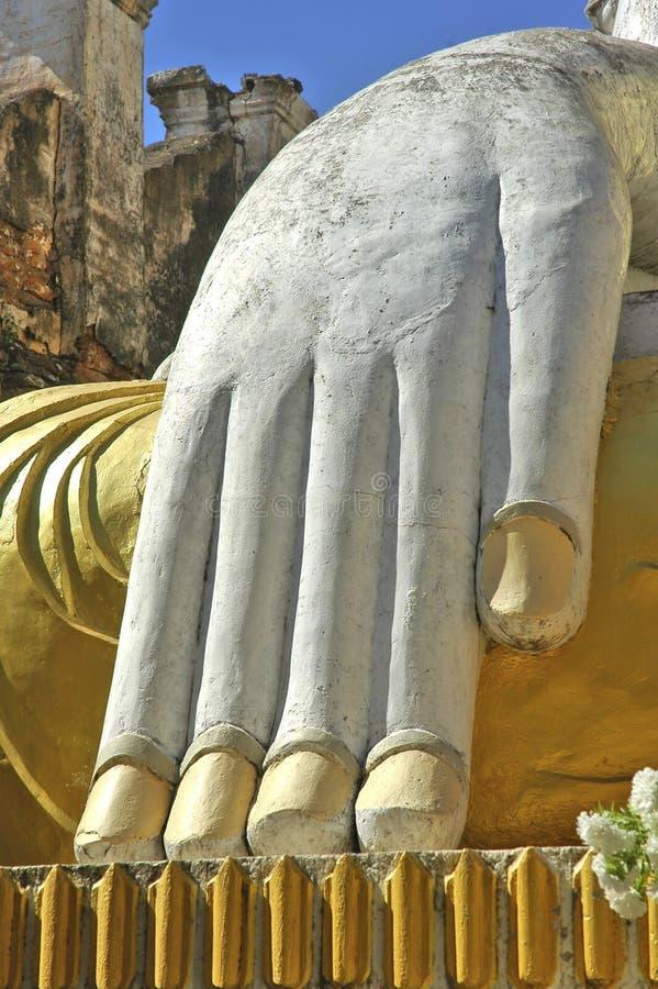 lake myanmar s för buddha handinle royaltyfria bilder