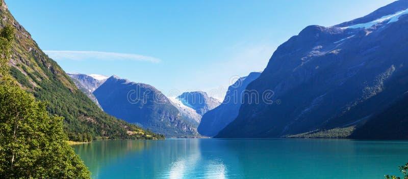 Download Lake norway fotografering för bildbyråer. Bild av stillsamt - 76703711