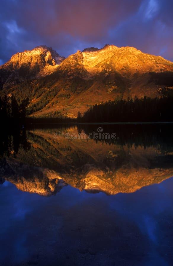 lake smyczkowy teton góry obraz royalty free